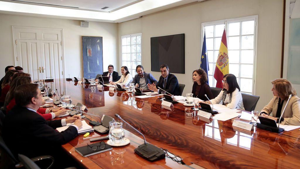 Pedro Sánchez preside la Comisión de Agricultura en Moncloa