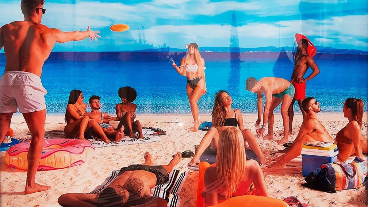 ¿Ganas de... una orgía en la playa? El provocador anuncio que no es lo que parece