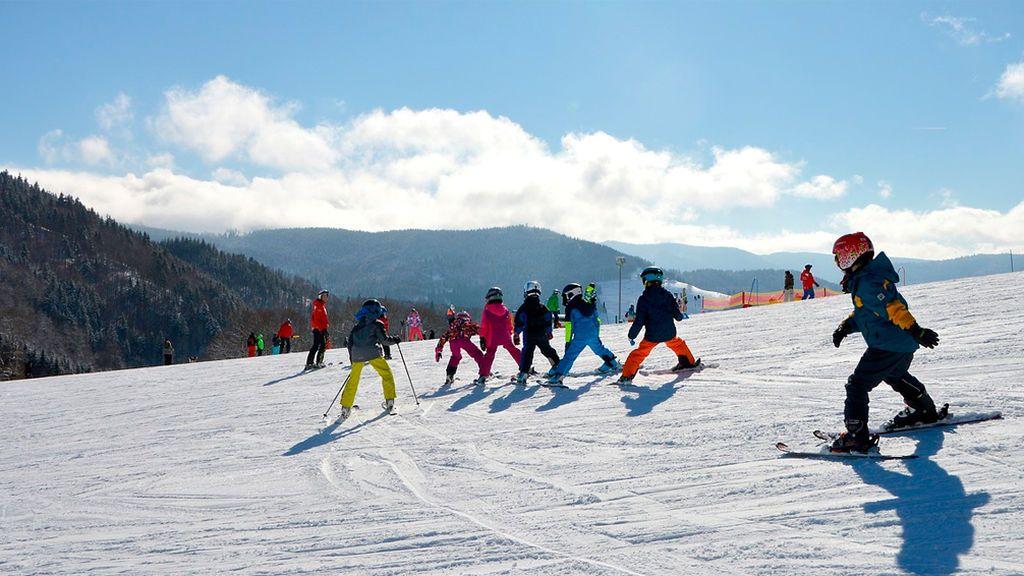 Los mejores consejos para iniciar a tus hijos en el esquí