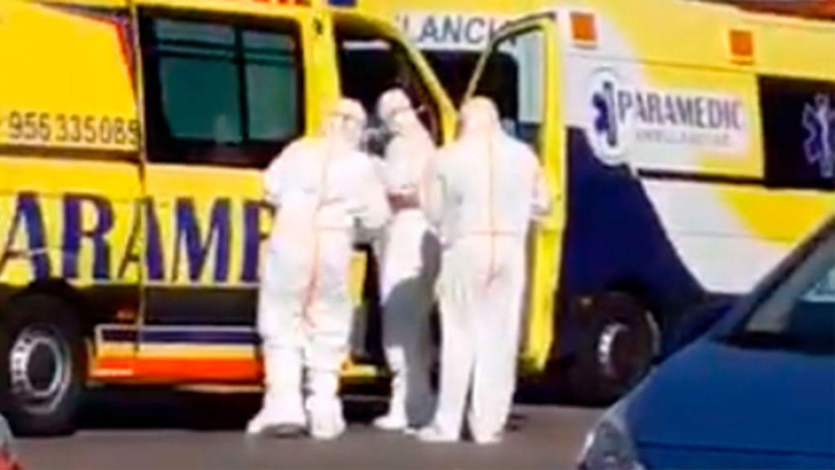 """""""¡Yo me voy de aquí, ya!"""": alarma en Chiclana de la Frontera ante un posible caso de coronavirus"""
