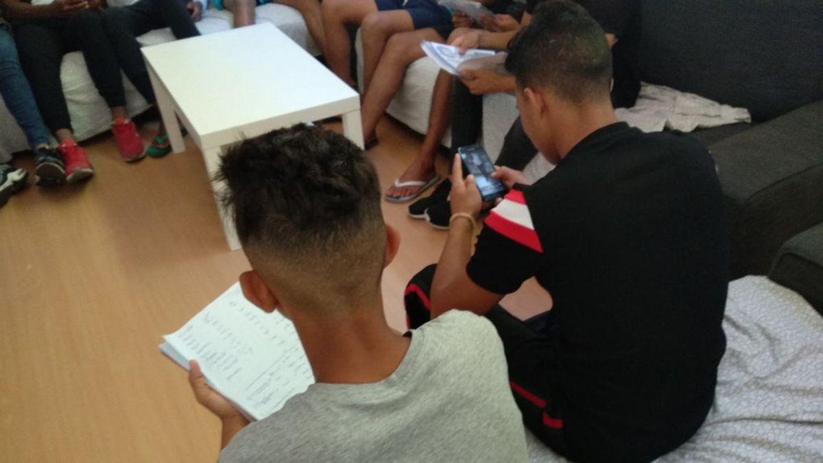"""Primera querella contra una internauta por difundir """"fake news"""" sobre menas"""