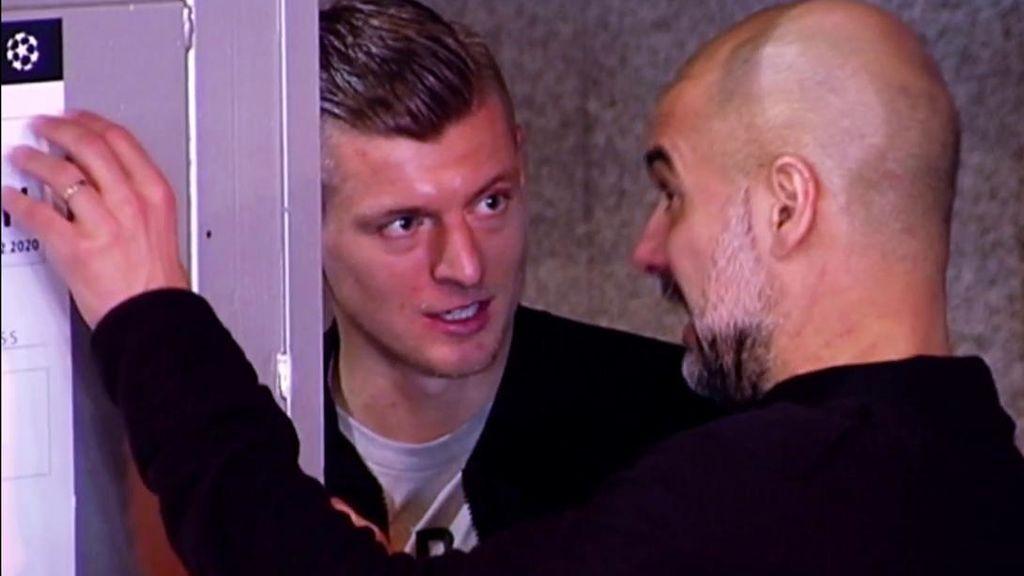Charla entre Kroos y Guardiola