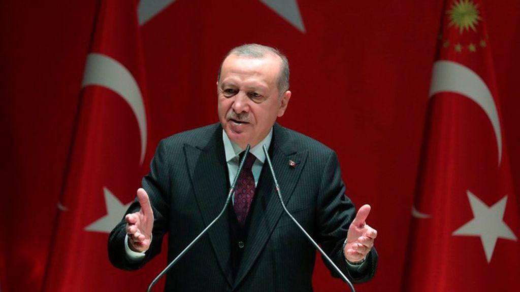 Turquía ataca objetivos de Siria en respuesta a la muerte de 22 de sus militares en Idlib