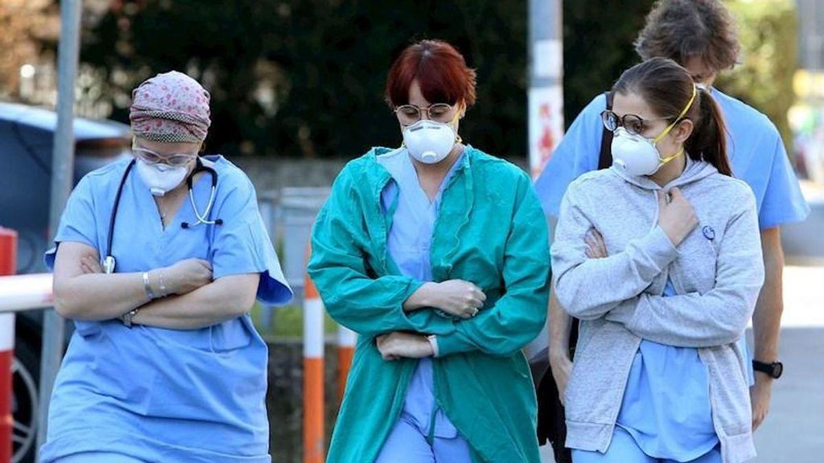 Un médico y una enfermera, los primeros casos de sanitarios infectados en España