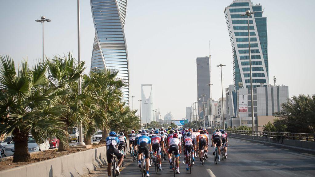 Se cancela el Tour de los Emiratos Árabes por el Coronavirus: dos ciclistas infectados