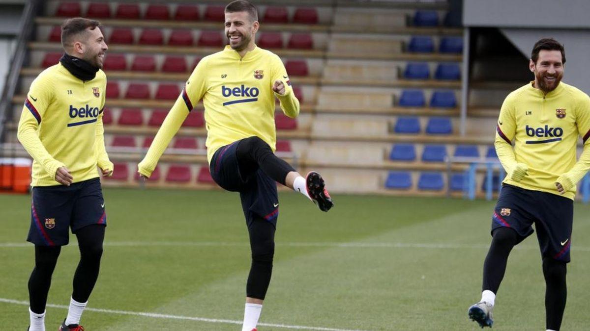 Piqué se entrena con normalidad y apunta al Clásico y Jordi Alba ya trabaja con el grupo