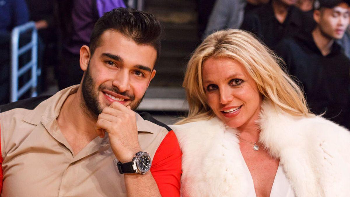 Britney Spears comparte en redes sociales vídeo del momento en que se rompe el pie mientras baila
