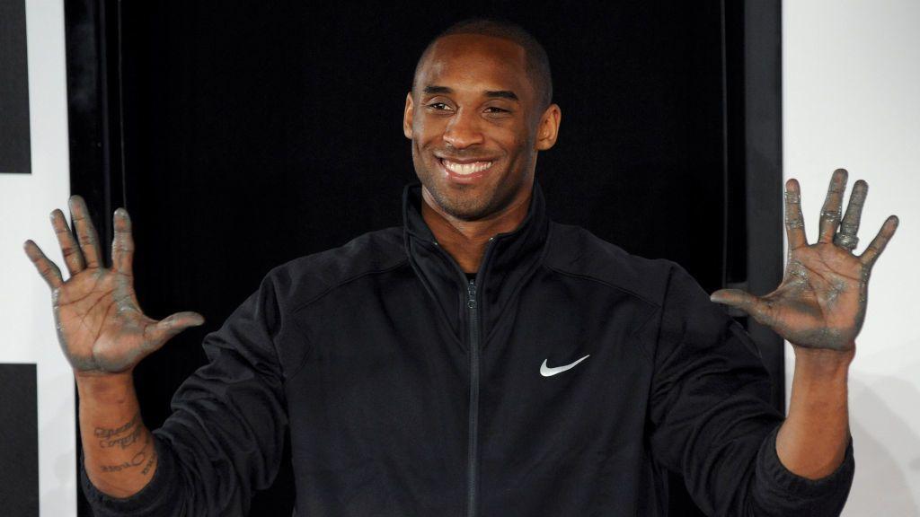 Huellas de las manos de Kobe Bryant serán subastadas con una estimación de venta de 5.500 euros