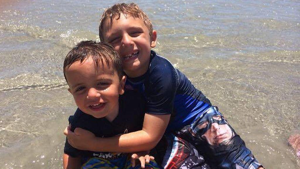 Unos padres denuncian que su Iglesia no deja hacer la comunión a su hijo por padecer autismo