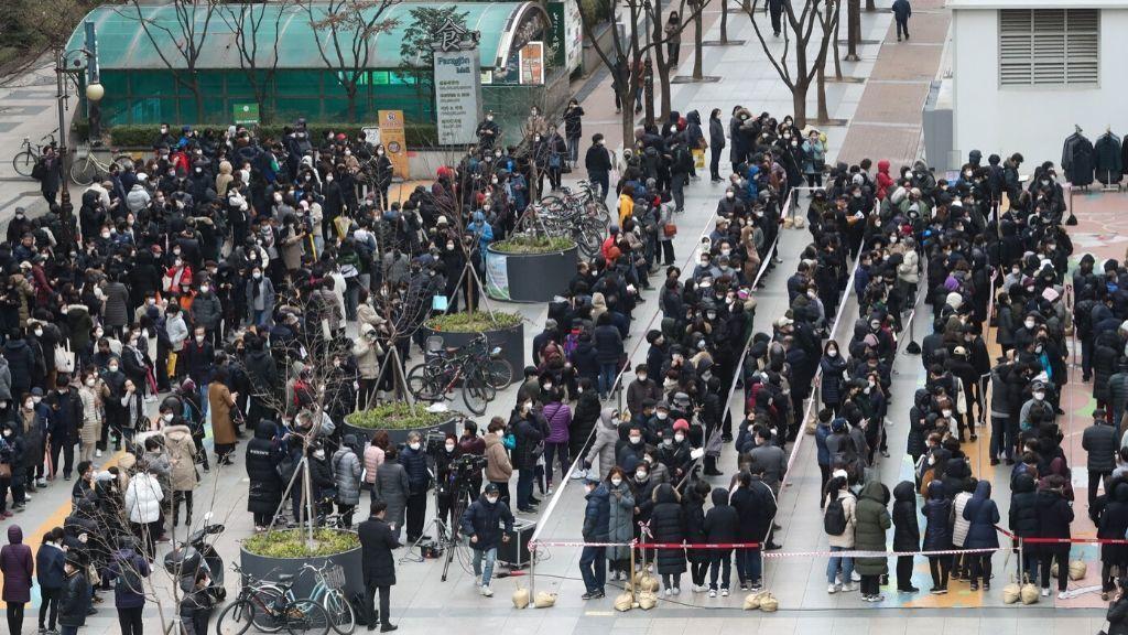 Aumentan a 16 los muertos por coronavirus en Corea del Sur y se superan los 2.900 afectados
