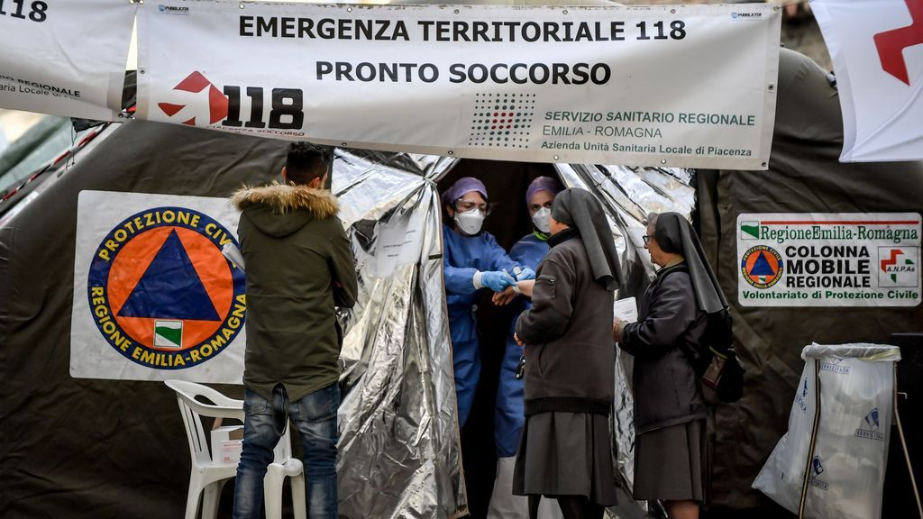 Italia confirma ocho nuevas muertes y un millar más de infectados por el nuevo coronavirus