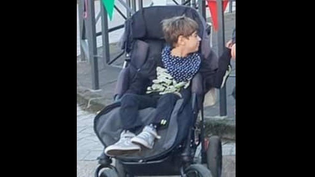 Roban en Santander la silla especial de un niño de 10 años con una lesión cerebral: sus padres piden colaboración para recuperarla