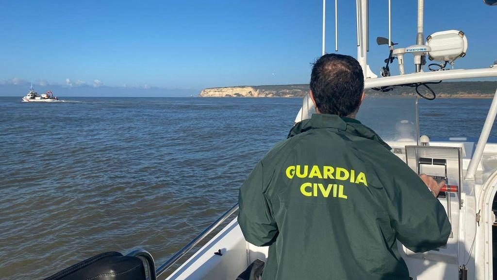 'Operación Ropero': La Guardia Civil detiene a 41 personas e incauta más de 5 000 kilos de hachís, en Cádiz