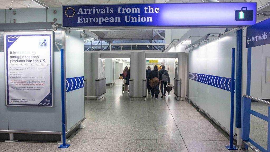 Dos millones de personas no podrían ir al trabajo si Europa decide suspender Schengen por el coronavirus
