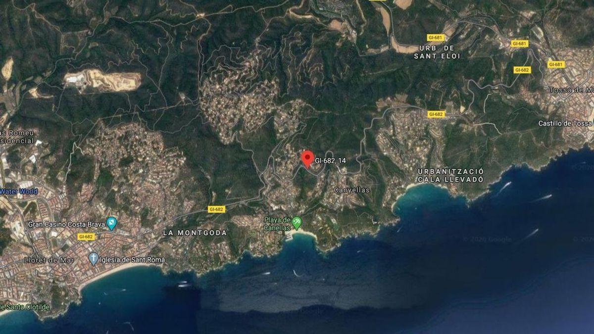 Dos muertos en un accidente de tráfico en Girona: el coche cayó 30 metro y quedó totalmente calcinado