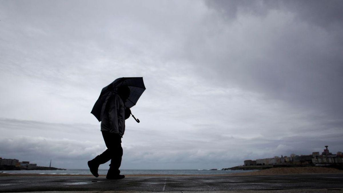 La borrasca Jorge azota España: lluvias, viento y oleaje ponen en aviso naranja y amarillo a nueve regiones