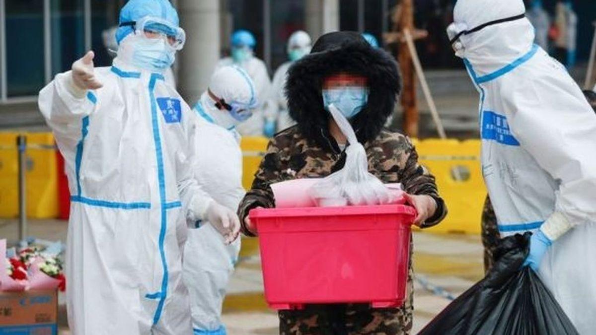 Trajes de protección por el coronavirus usados en China