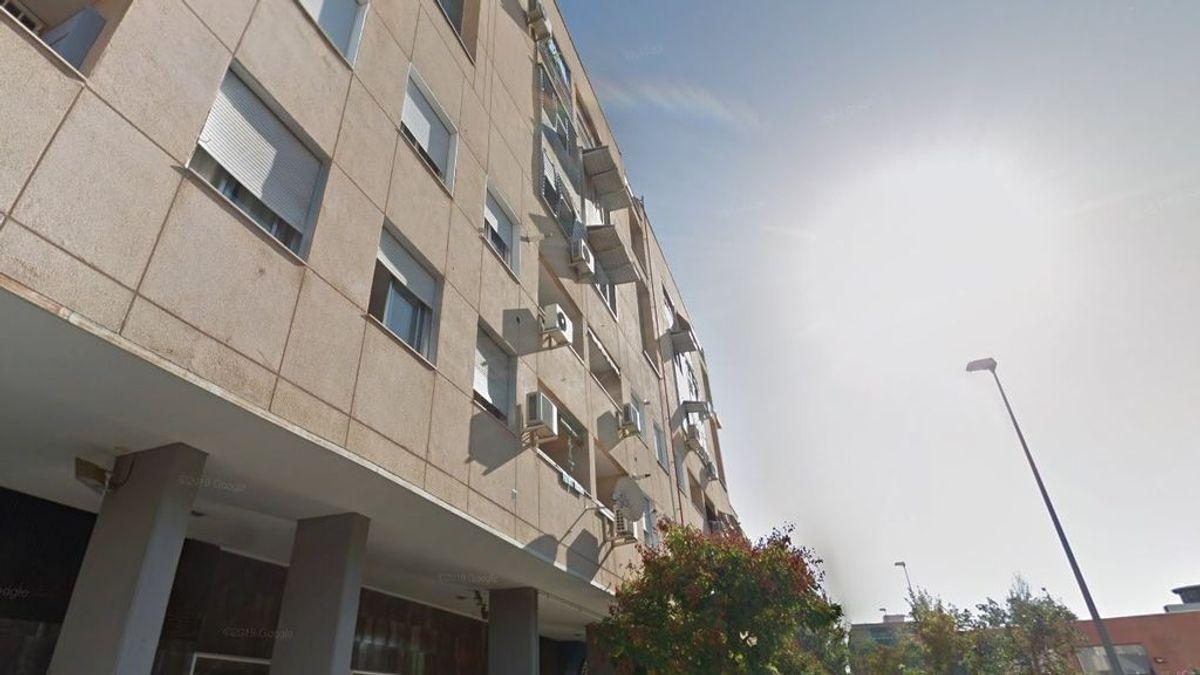 Un joven de 15 años se cae desde un séptimo piso en Granada: se encuentra fuera de peligro