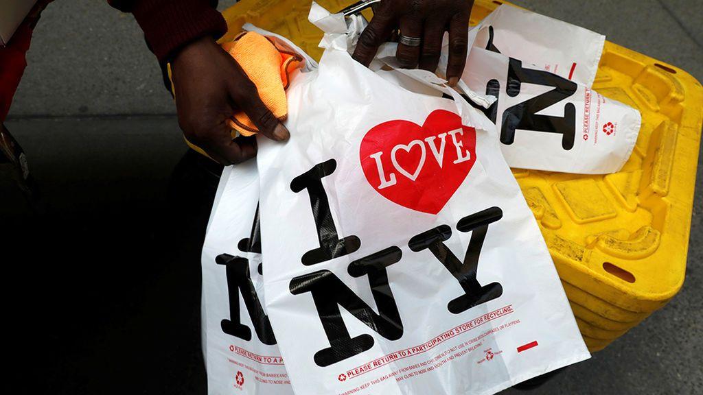 Nueva York prohíbe la utilización de bolsas de plástico de un solo uso