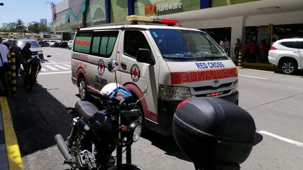 Un antiguo guardia de seguridad armado se atrinchera en un centro comercial de Filipinas con 30 rehenes