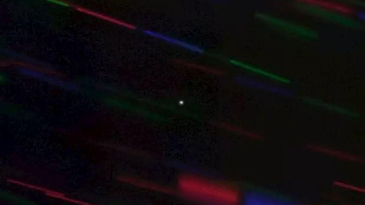 Primera imagen de la miniluna que orbita la Tierra
