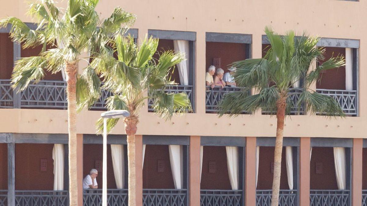 Coronavirus en Tenerife: 148 huéspedes que estaban en cuarentena abandonan el hotel del contagio
