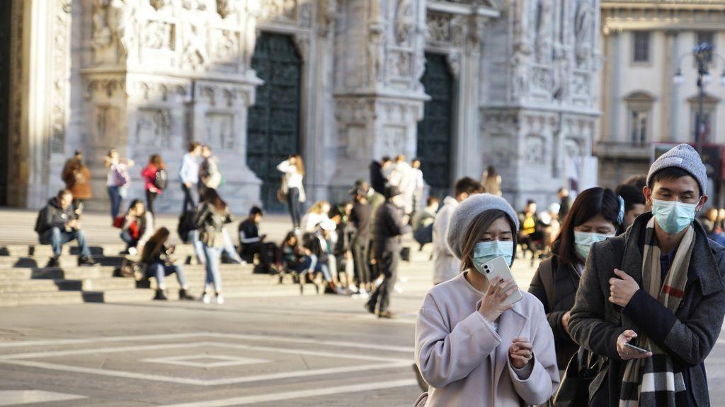 Italia impone un metro de distancia entre las personas para frenar el coronavirus