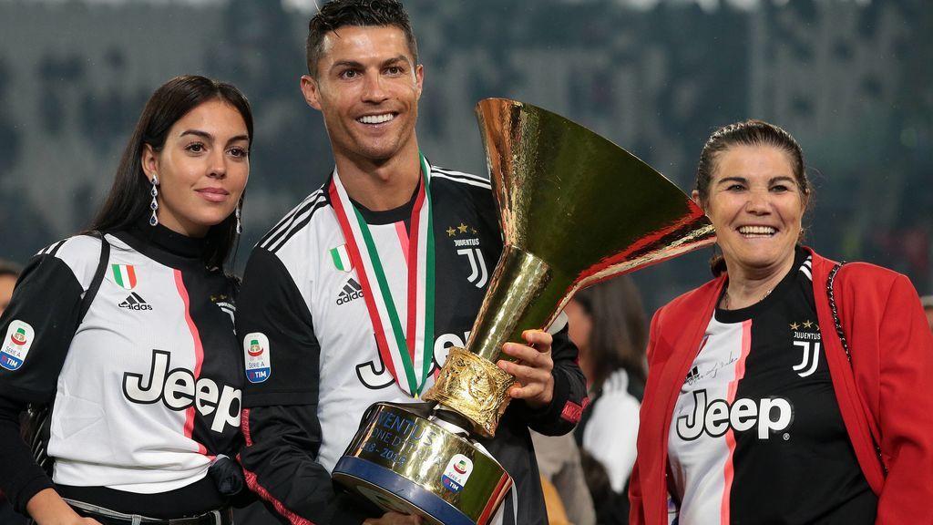 La madre de Cristiano Ronaldo sufre un ictus: la familia que arropa a Dolores Aveiro en estos momentos