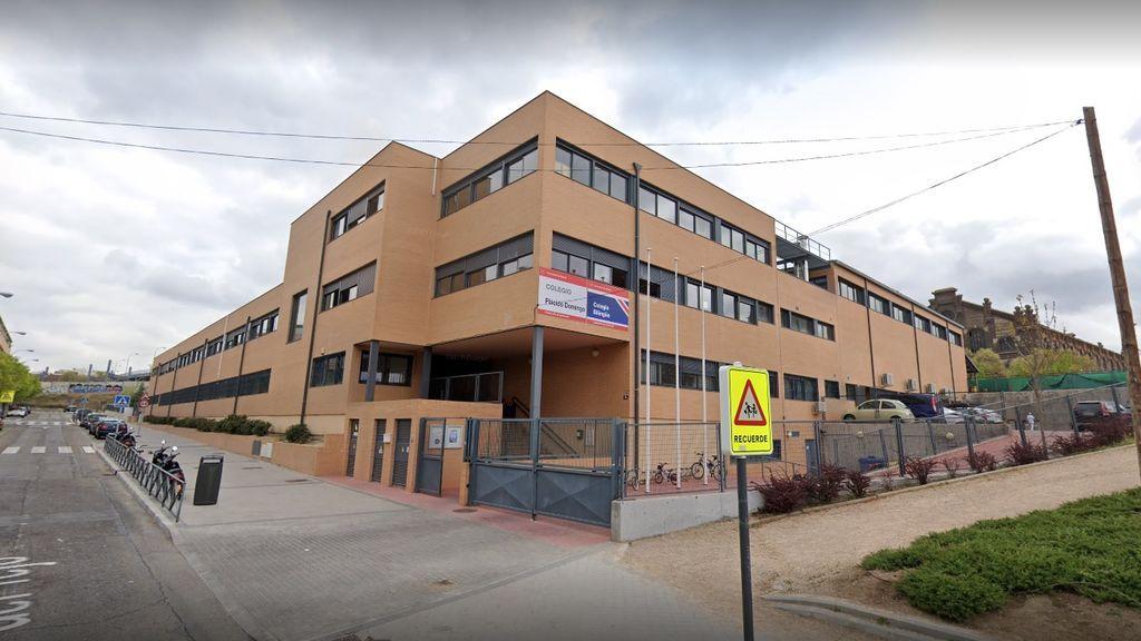 Más de 1.300 firmas piden que se cambie el nombre del colegio 'Plácido Domingo' de Arganzuela (Madrid)
