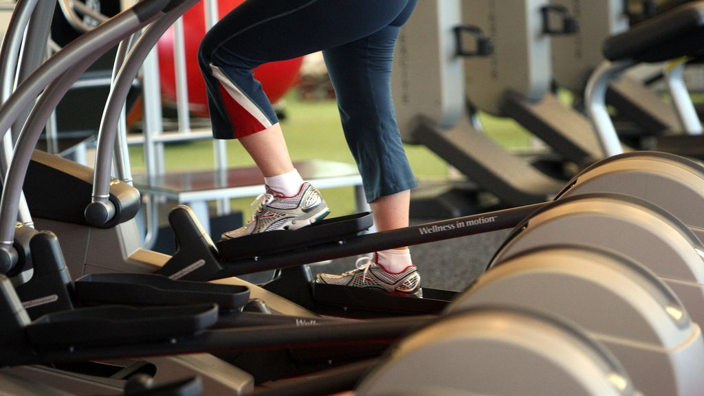 persona haciendo ejercicio físico