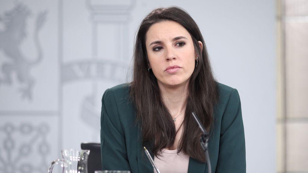 """""""Sola y borracha"""": el PP y Vox acusan a Irene Montero de fomentar el consumo abusivo de alcohol"""