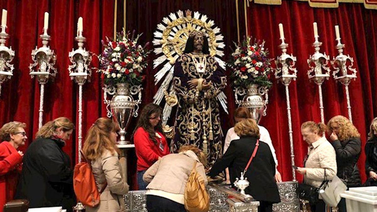 Stop al fervor religioso por el coronavirus:  El Arzobispado pide a los fieles que no besen las tallas