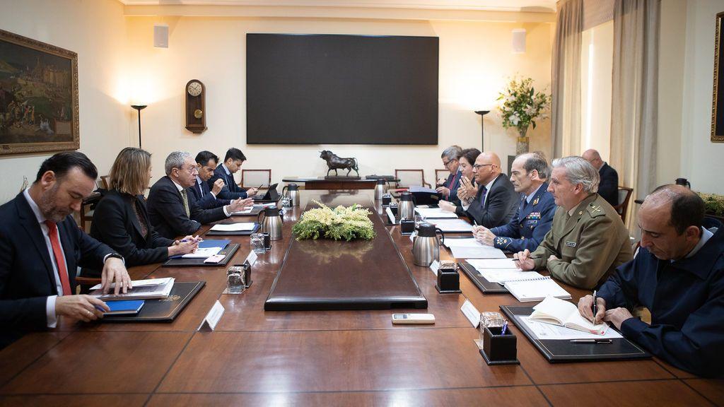 El ministerio de Defensa crea 'Rumbo empleo', un programa para facilitar la inserción laboral a los militares temporales de 45 años