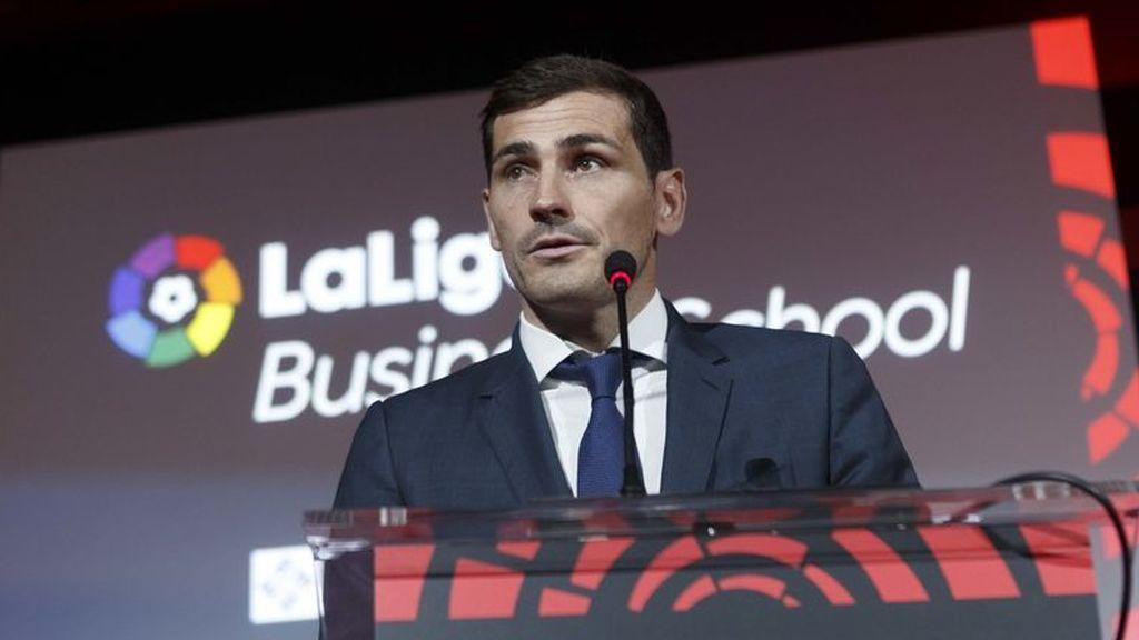 """Casillas, """"absolutamente tranquilo"""", colabora con la Fiscalía lusa tras el registro de su casa"""