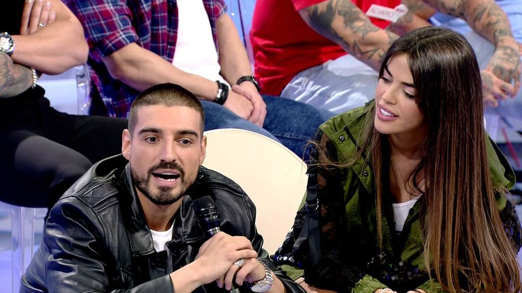 Fabio sorprende a Violeta en 'MyHyV' interpretando la canción que ha compuesto para ella