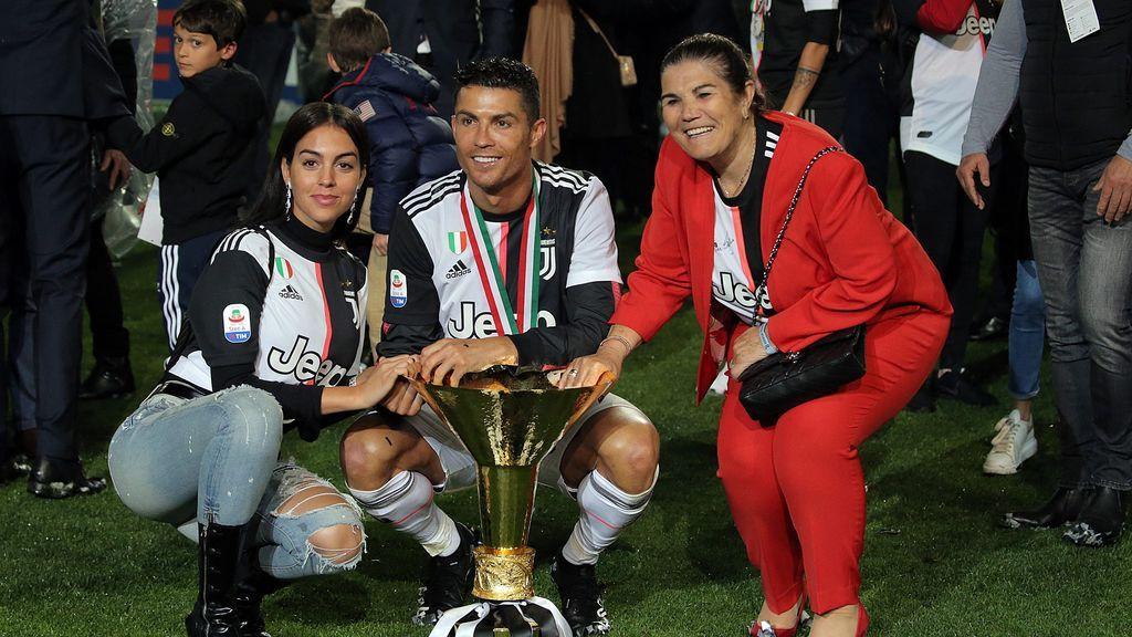 Georgina, Cristiano y Dolores Aveiro