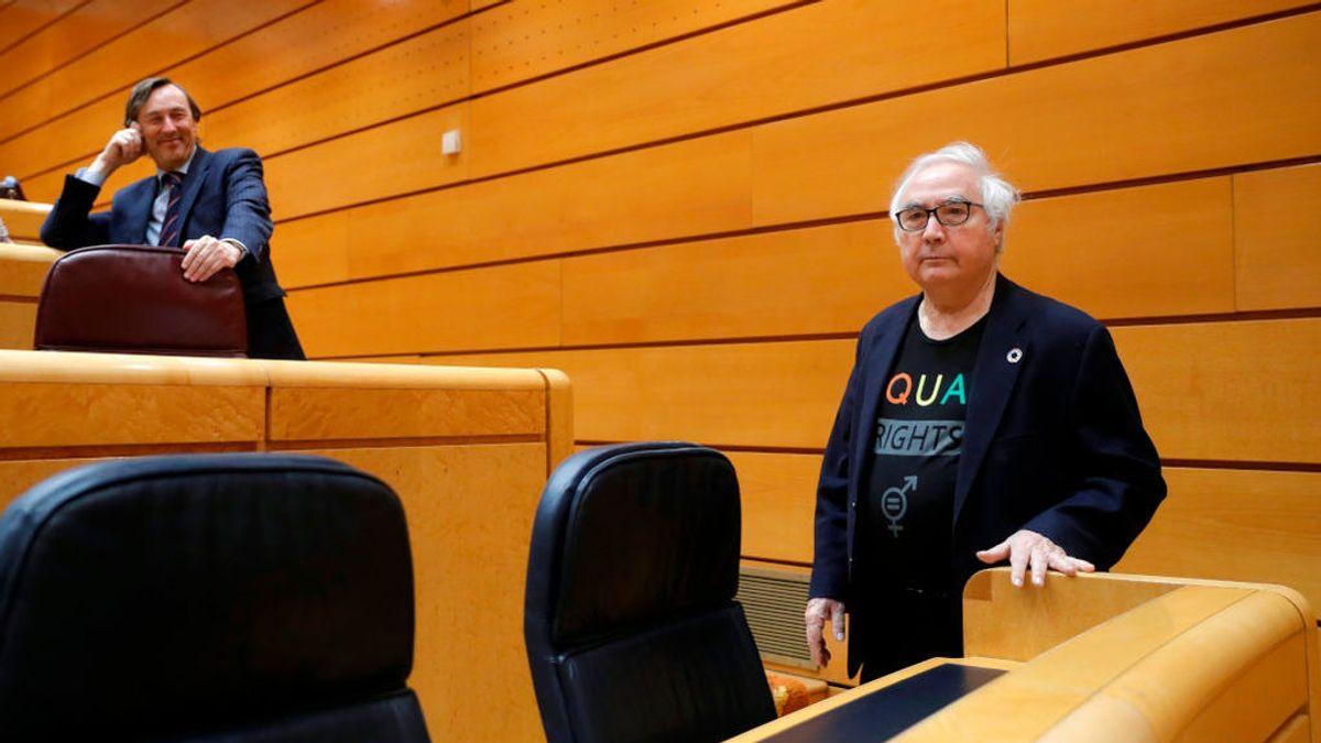 Manuel Castells y Rafael Hernando, en el pleno del Senado