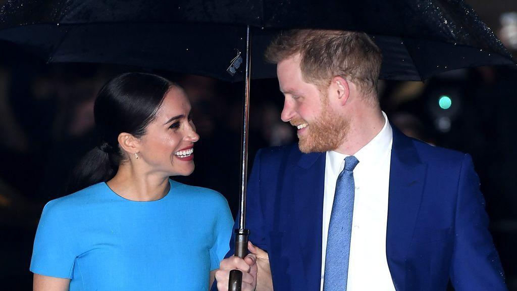 Meghan Markle reaparece públicamente junto a Harry dos meses después de su salida de la casa real