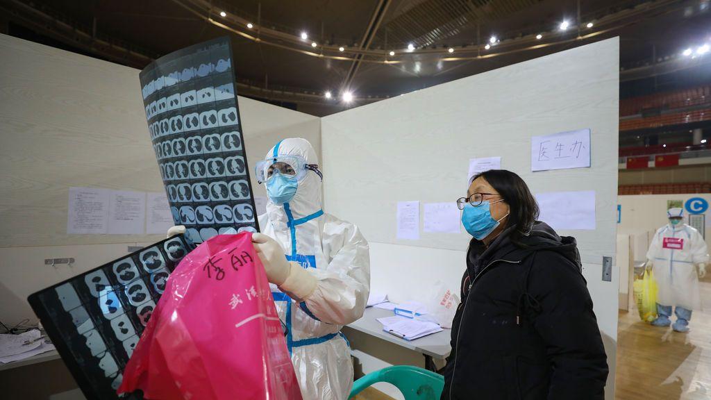 Los diferencias entre los síntomas del coronavirus, la gripe y el catarro común