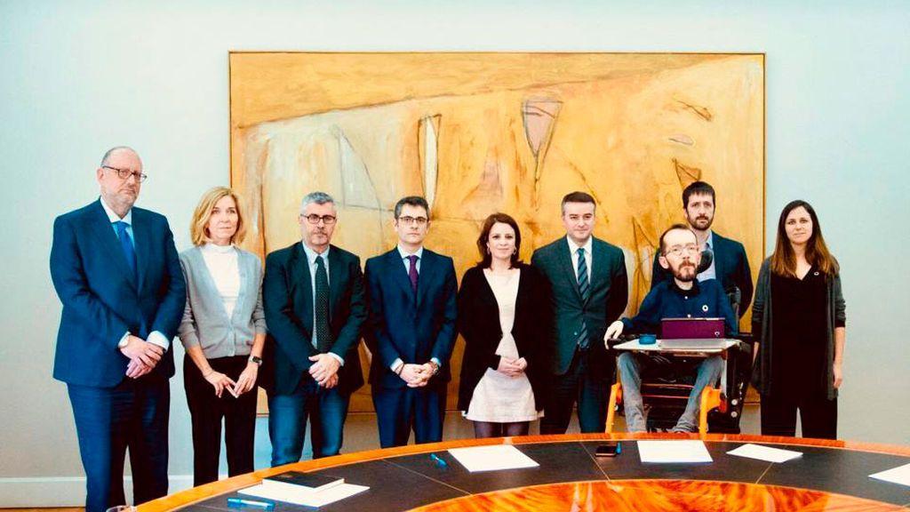 La comisión PSOE-Podemos se reúne de urgencia tras las tensiones entre los socios de Gobierno