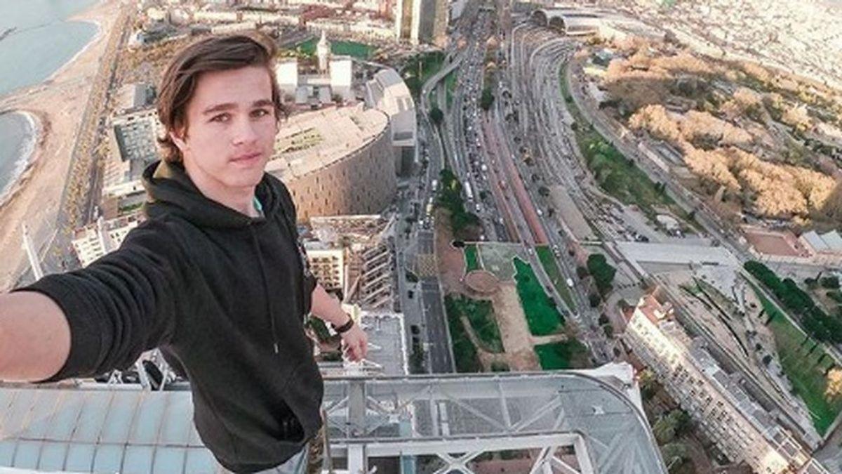 Un 'instagramer' británico escala y pasa la noche en la Catedral de Barcelona