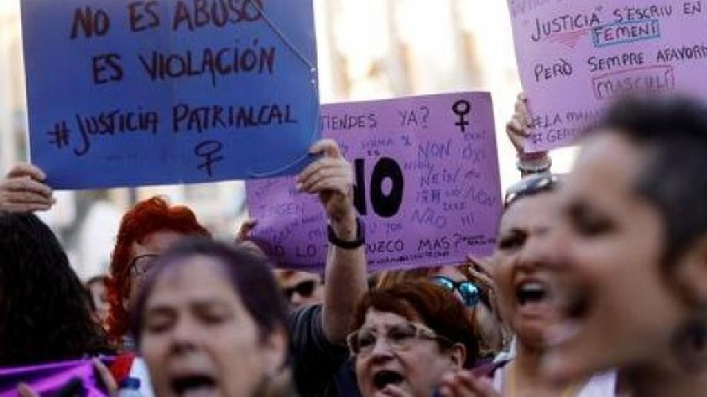 La víctima del delito sexual: mujer, menor de edad y agredida por desconocido