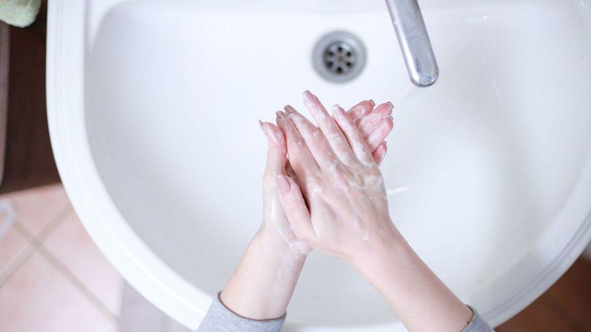 Coronavirus: El vodka no es efectivo como desinfectante de manos