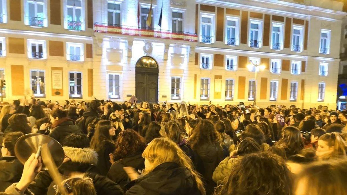Pistoletazo de salida al 8-M: cacerolada en la Puerta del Sol de Madrid