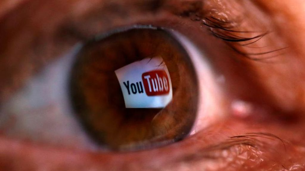 Reflejo del logo de Youtube