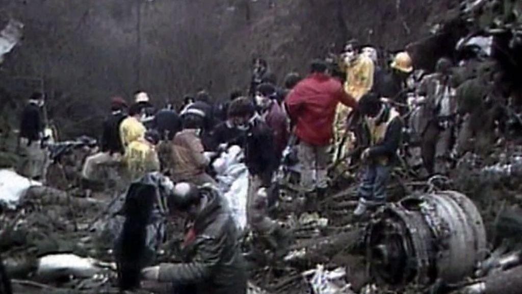 Imagen del avión destrozado.