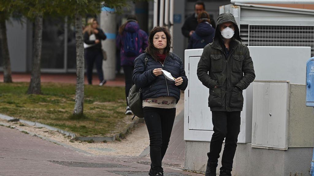 El 'negocio' del coronavirus: de ladrones vestidos de médicos a empresas que sacan beneficios