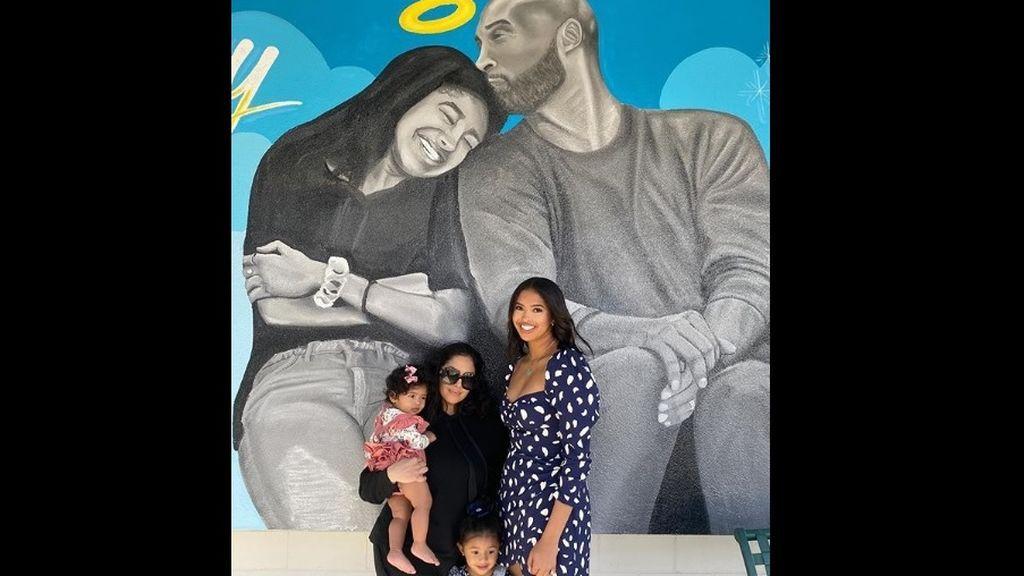 """Vanessa Bryant publica su primera foto familiar tras la muerte de Kobe y su hija Gigi: """"Sonríe aunque te duela"""""""