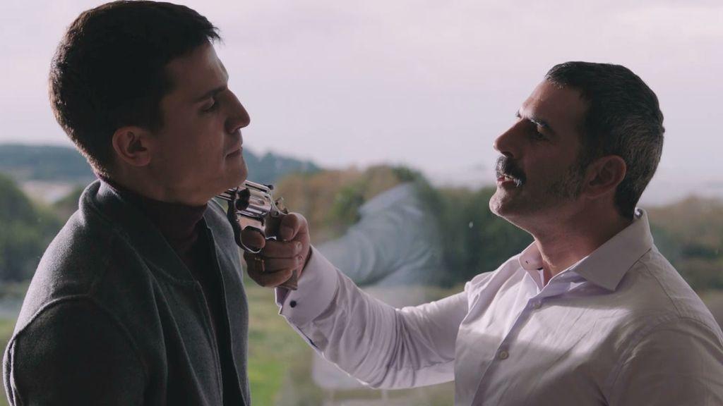 'Vivir sin permiso' lidera su franja y amplía su ventaja sobre 'Me resbala' en Antena 3