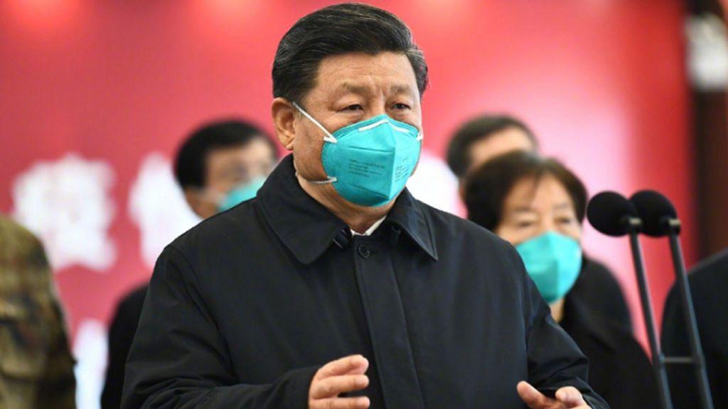 El presidente chino Xi Jinping visita hospitales y centro en Wuhan
